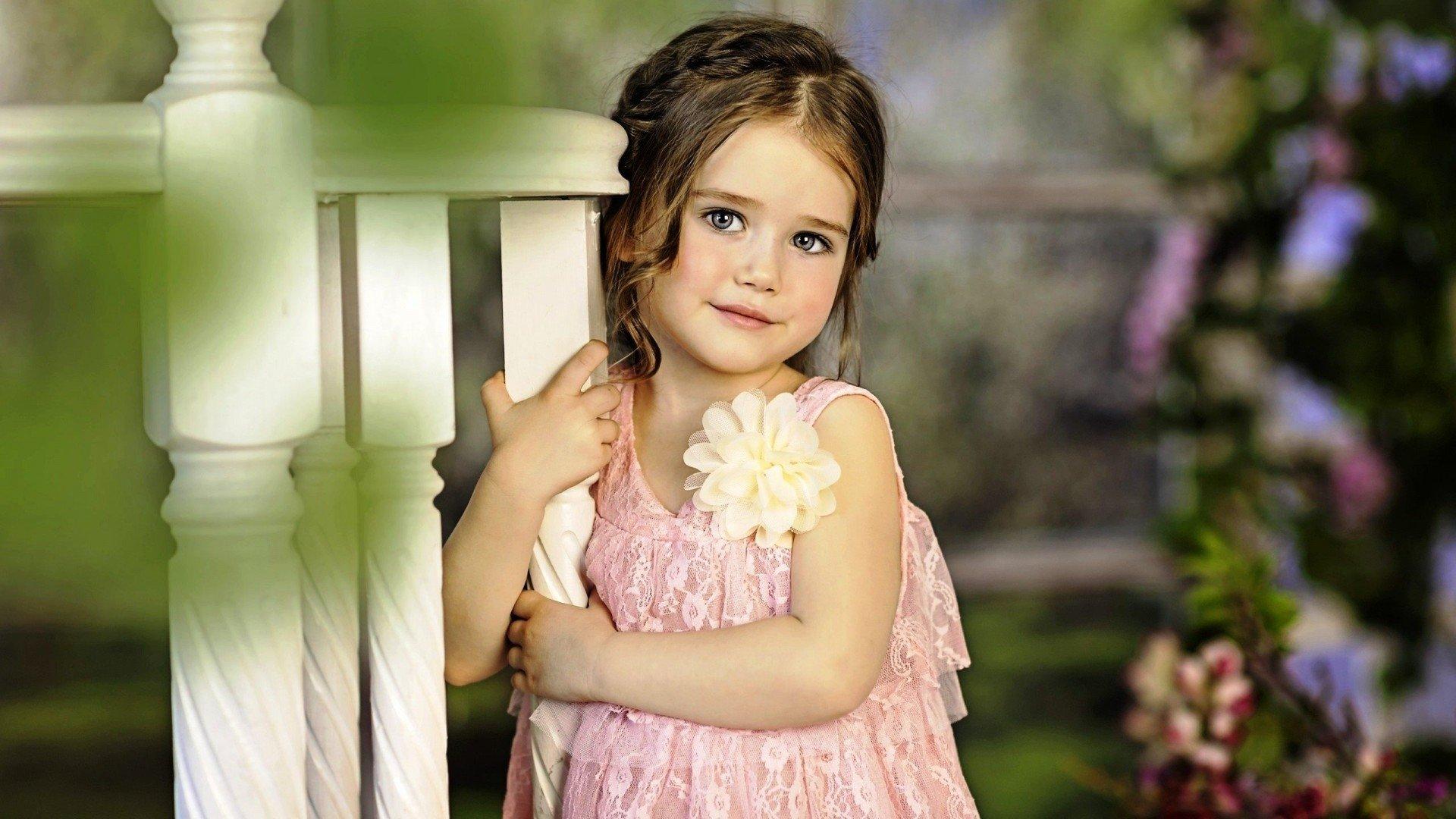 Adorable Little Girl HD Wallpaper ...