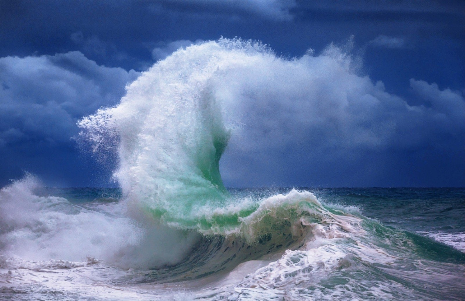 Ocean Wave Wallpaper and Background Image | 1600x1037 | ID:714467 - Wallpaper Abyss