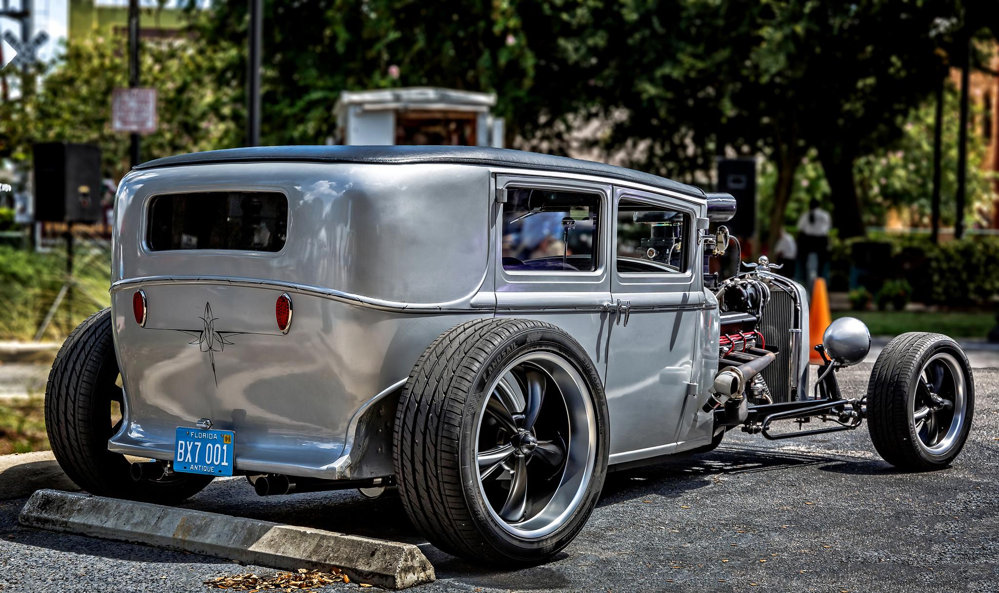 Modifiye Klasik Arabalar Hd Duvar Kağıdı Arka Plan 2048x1216