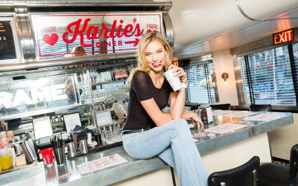 Celebrity Karlie Kloss Models United States Model American Blonde Smile Lipstick HD Wallpaper | Background Image