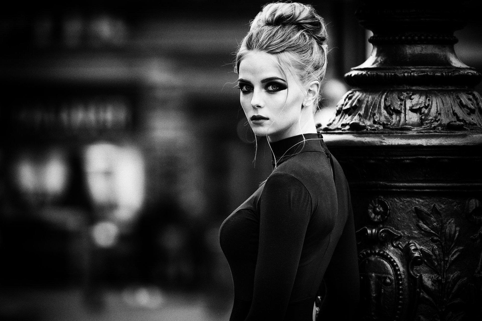 Women - Model  Woman Girl Black & White Wallpaper