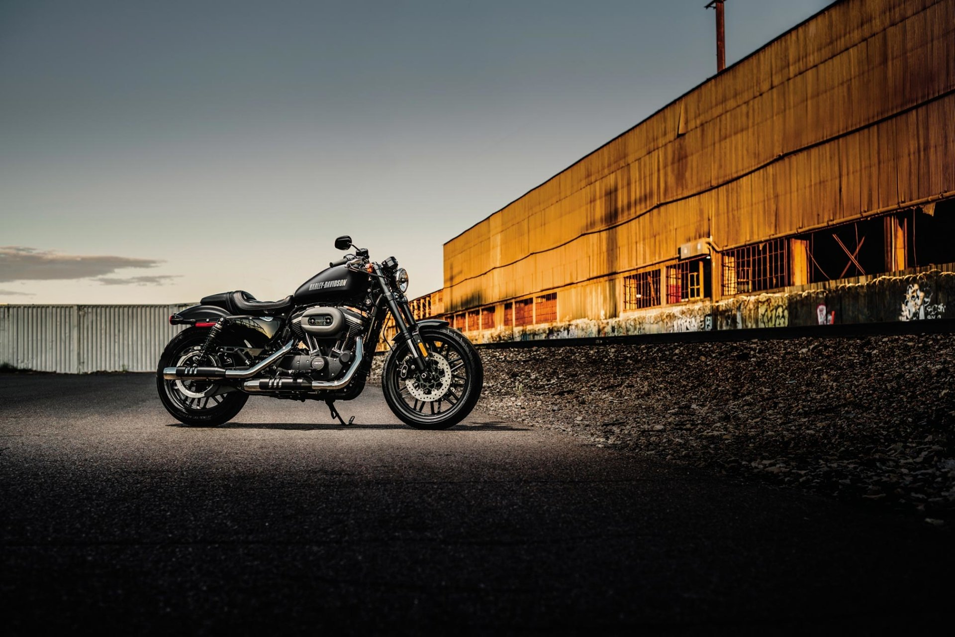 2017 Harley-Davidson Roadster HD Wallpaper