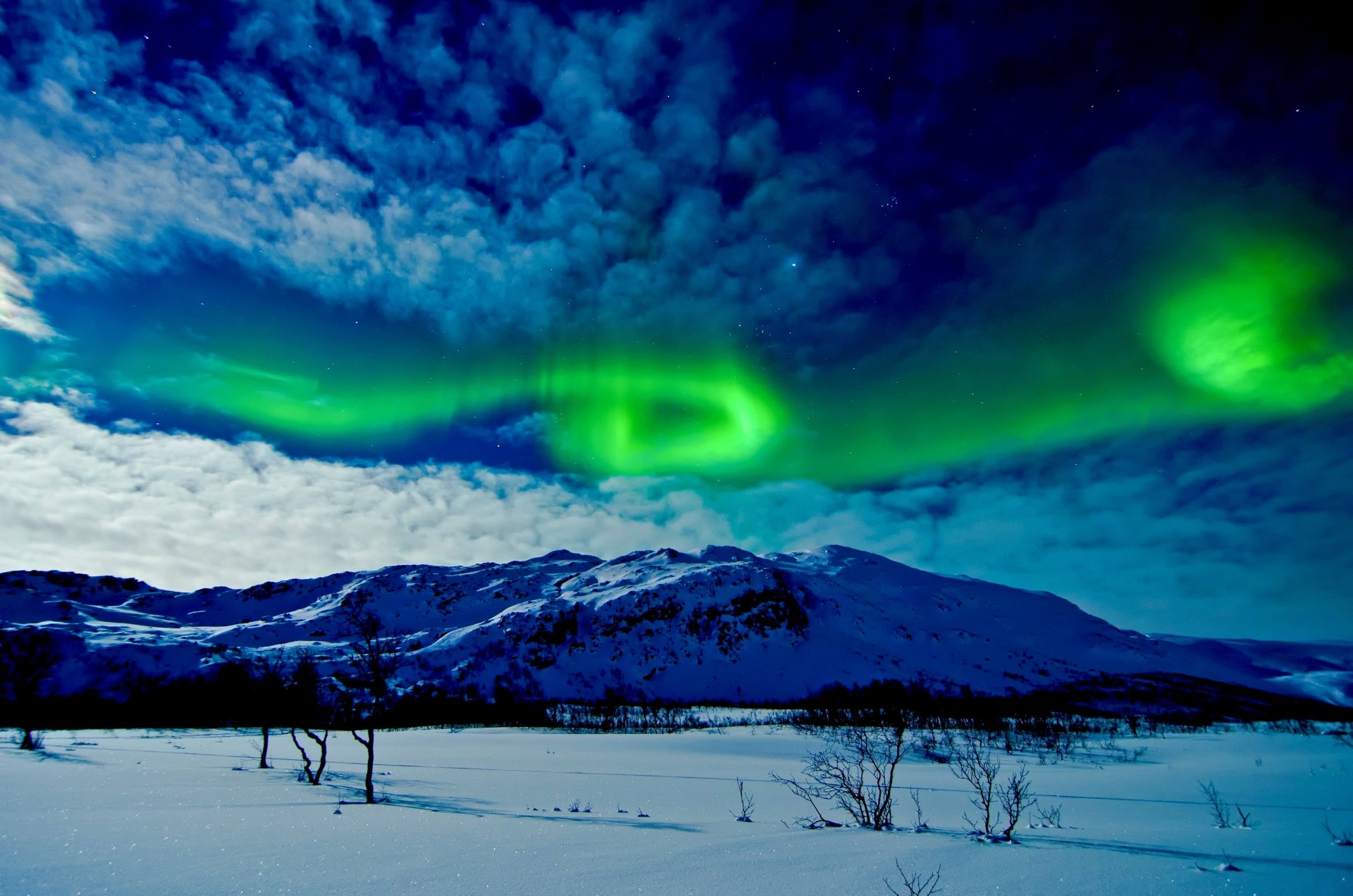 Earth - Aurora Borealis  Earth Sky Cloud Winter Landscape Mountain Snow Wallpaper