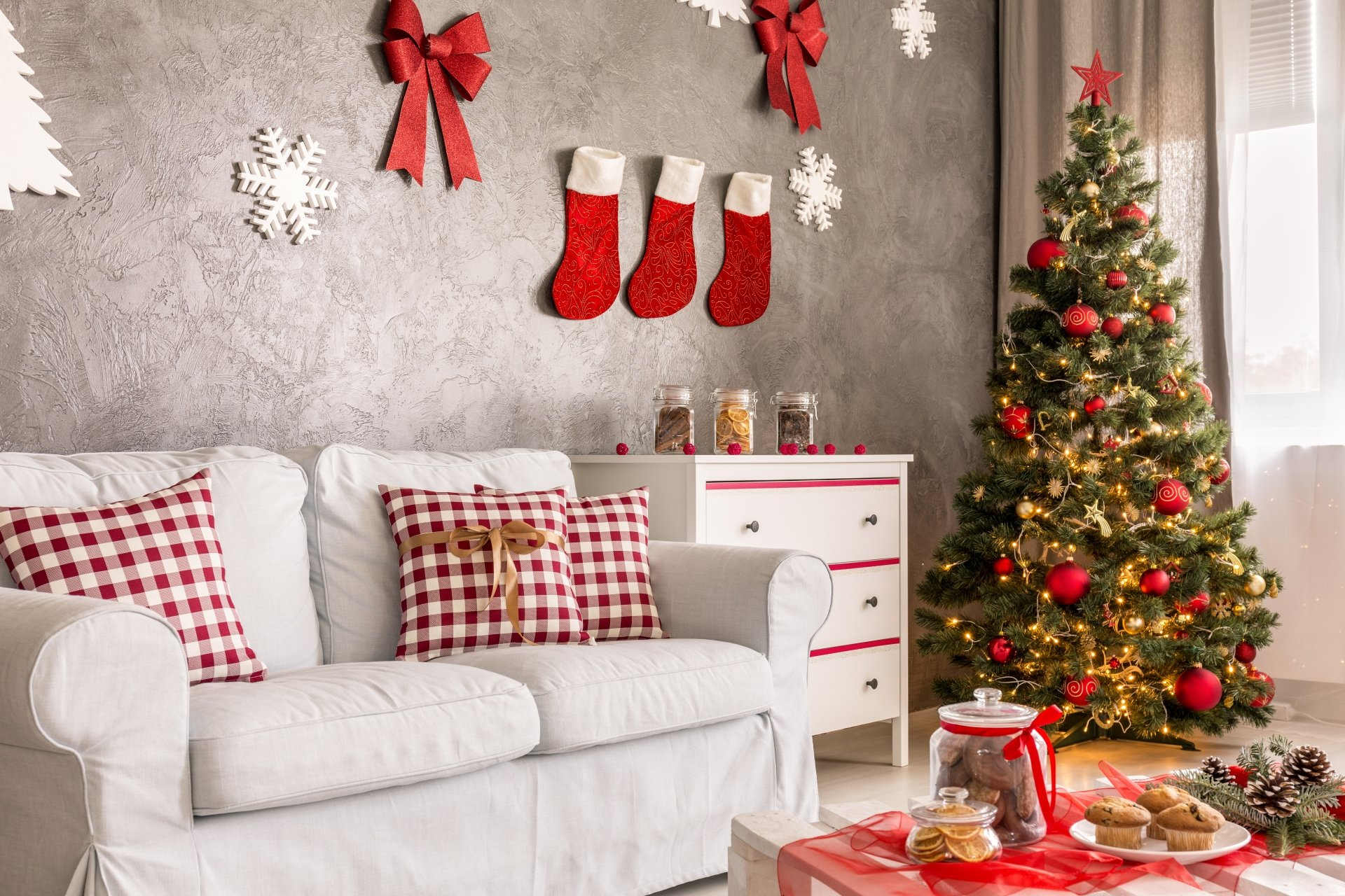 Holiday - Christmas  Christmas Tree Christmas Ornaments Sofa Wallpaper