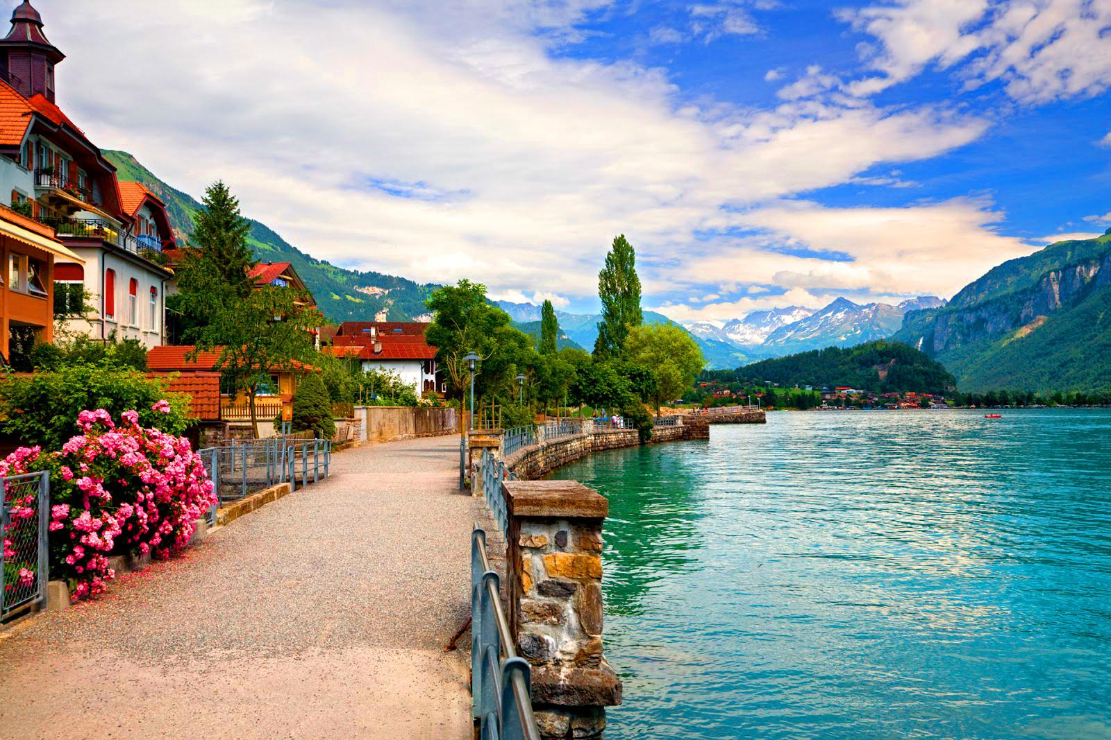 swiss lakeside town wallpaper and background image | 1600x1067 | id