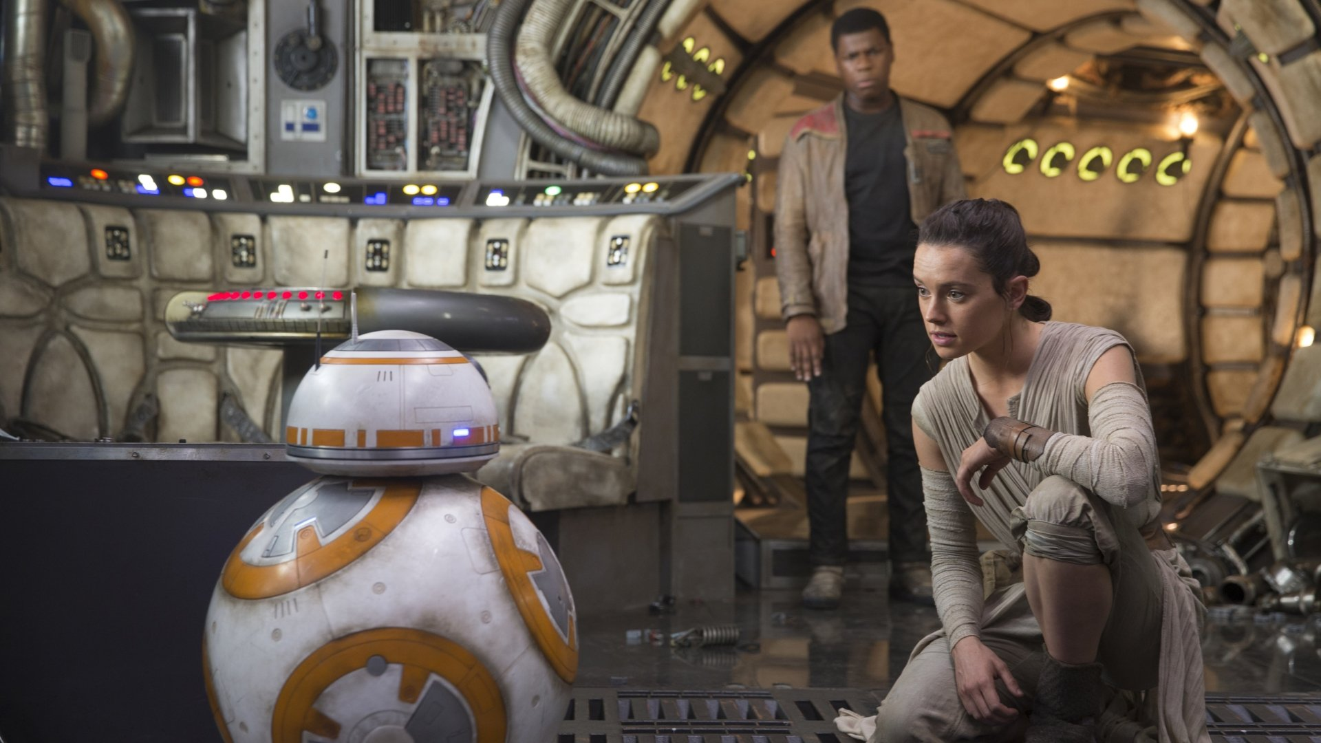 Movie - Star Wars Episode VII: The Force Awakens  Rey (Star Wars) John Boyega Daisy Ridley Finn (Star Wars) BB-8 Wallpaper