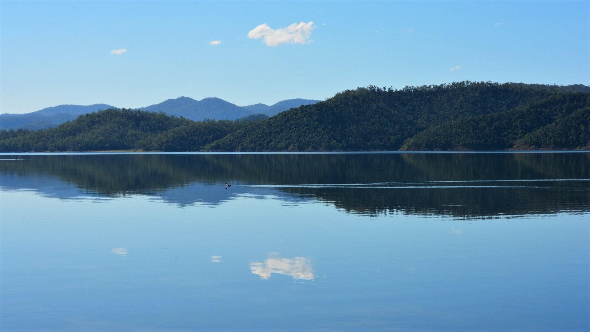 Earth - Lake  Bay Reflection Queensland Australia Mountain Wallpaper