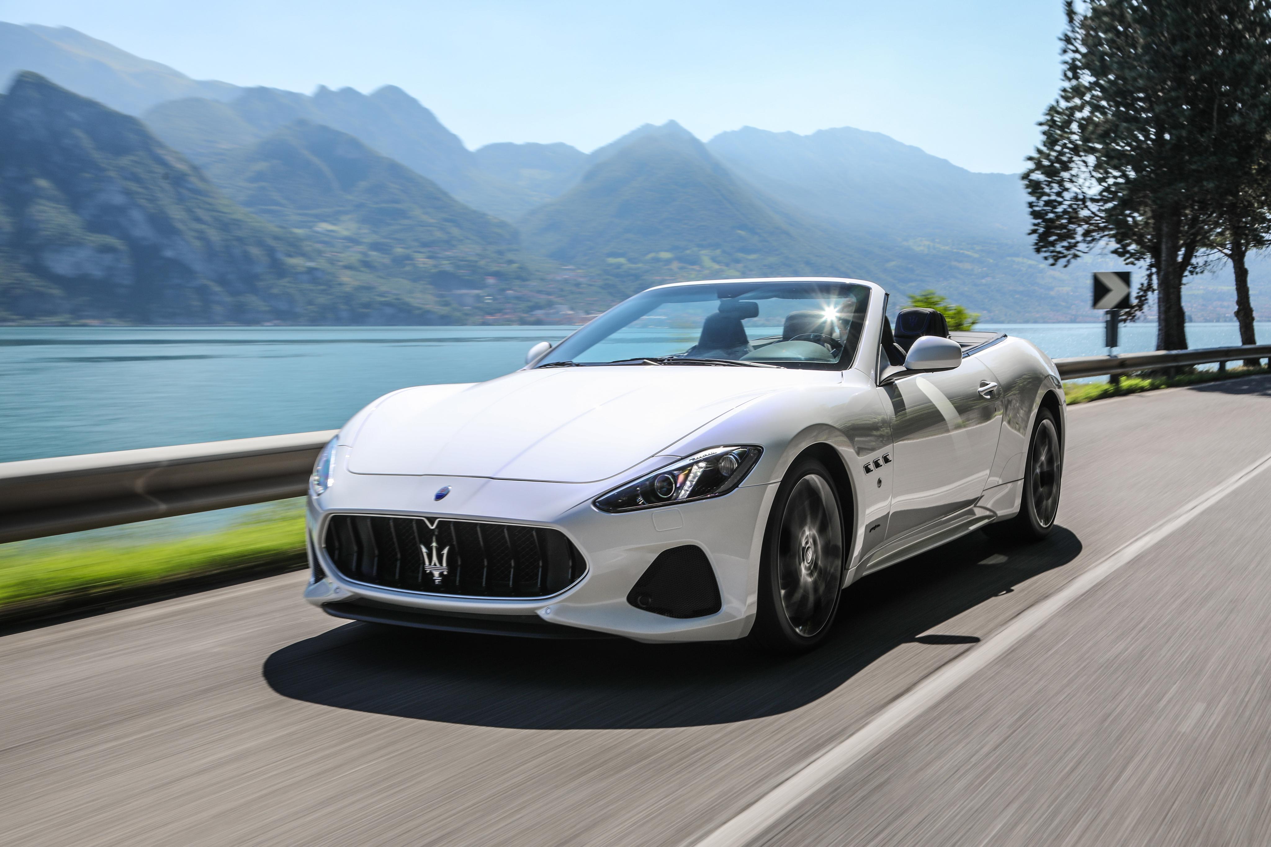 White Maserati GranCabrio In The Mountains 4k Ultra Fondo