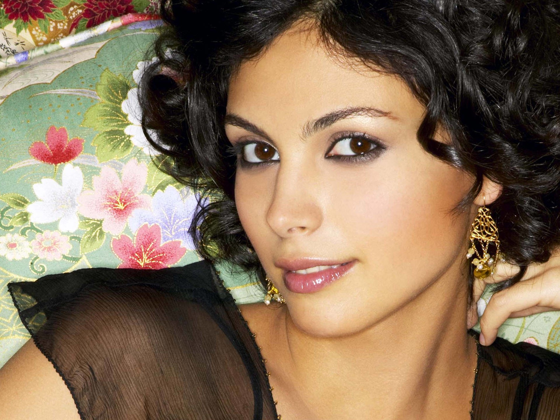 Celebrity - Morena Baccarin  Wallpaper