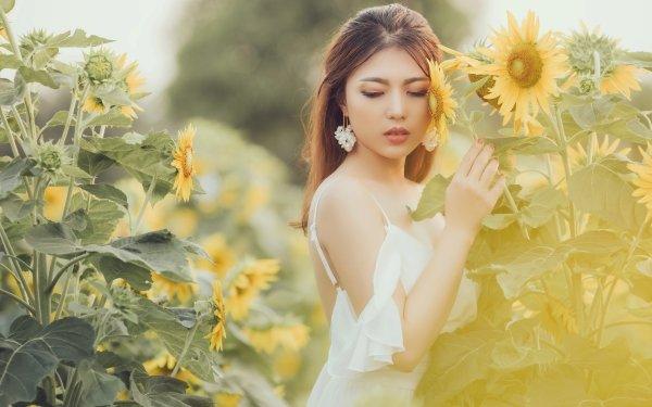 Frauen Asiatinnen Modell White Dress Earrings Brünette Sommer Depth Of Field Sonnenblume Blume Yellow Flower HD Wallpaper | Hintergrund