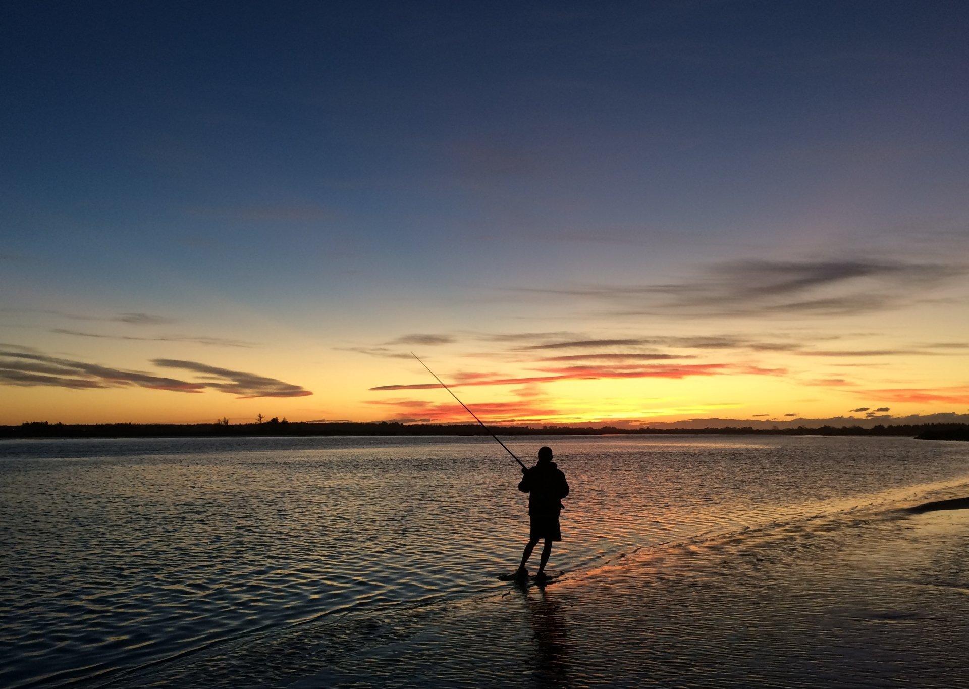 Sports - Fishing  Silhouette Sunset River Fisherman Wallpaper