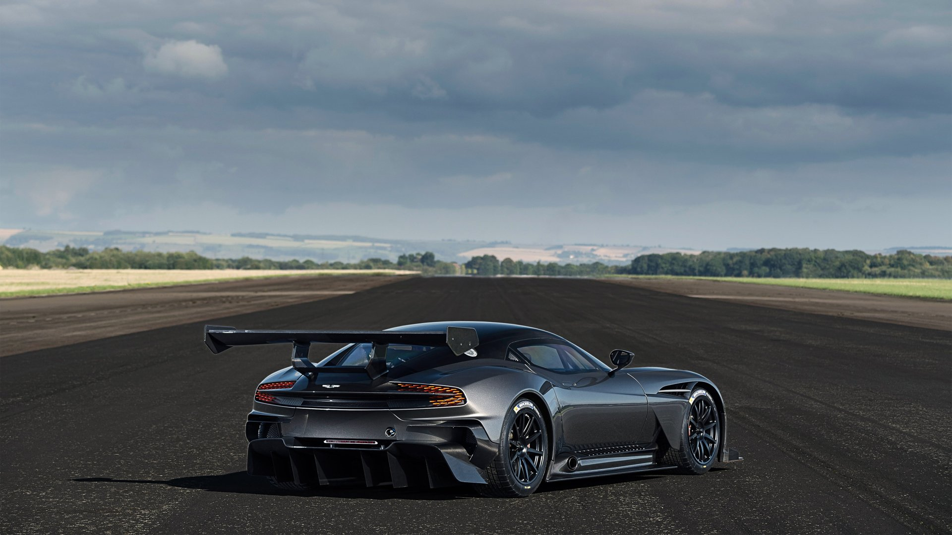 Vehicles - Aston Martin Vulcan  Aston Martin Hypercar Race Car Wallpaper