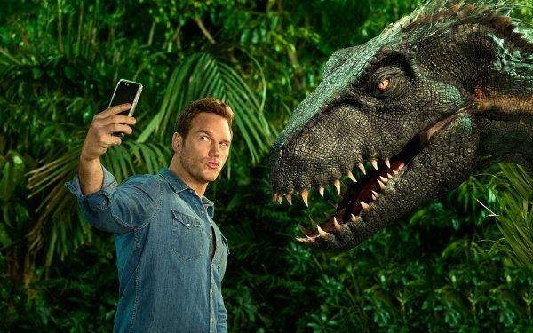 Movie Jurassic World: Fallen Kingdom Jurassic Park Chris Pratt Dinosaur Selfie HD Wallpaper | Background Image