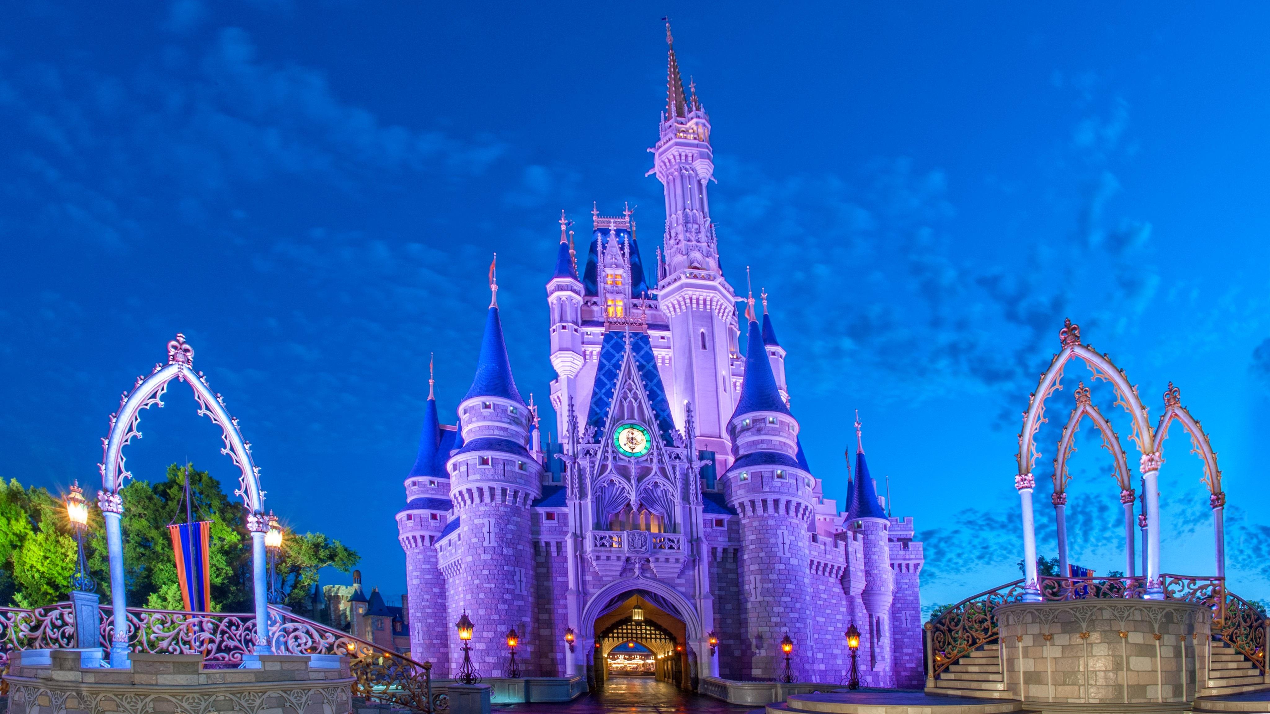 Cinderella Castle At Disney World In Florida 4k Ultra Hd