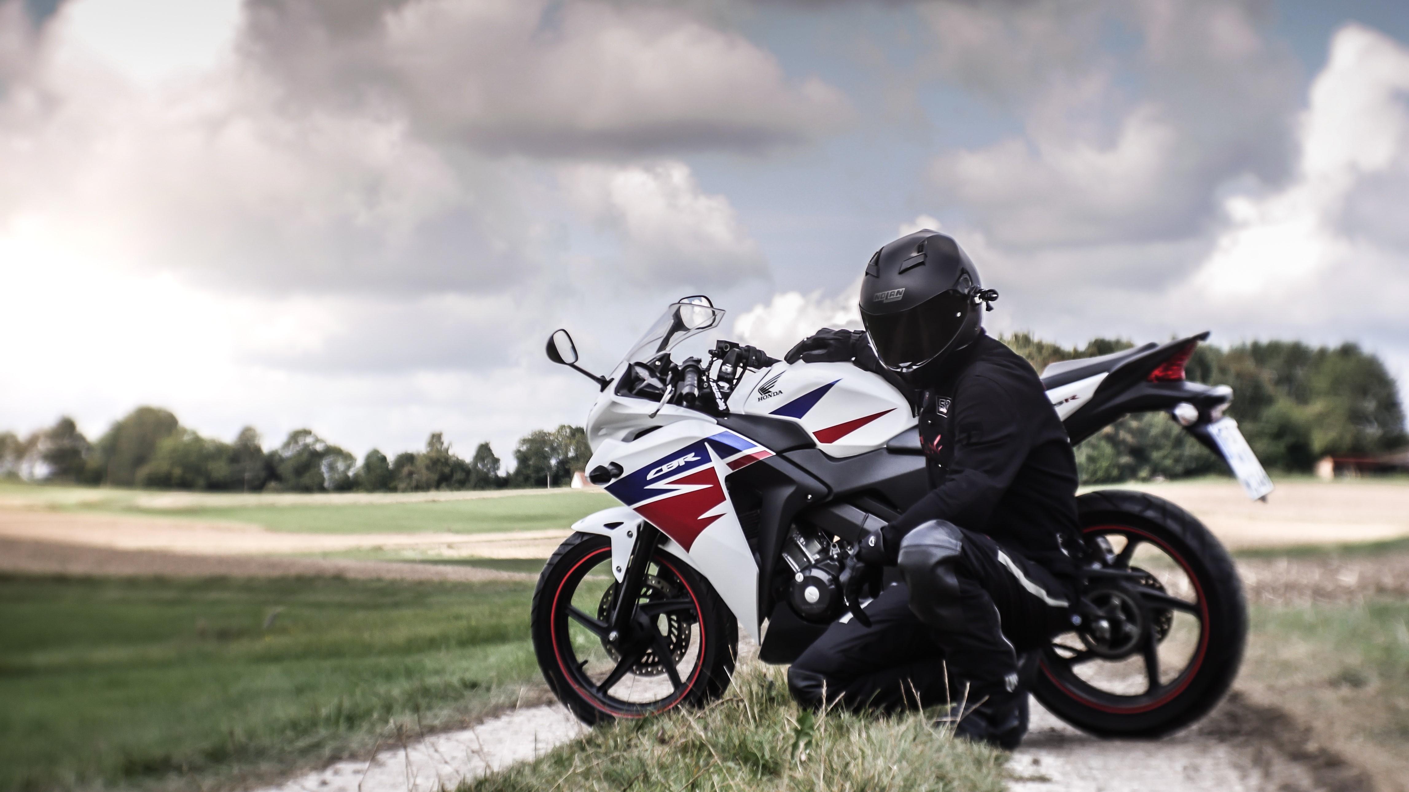 Motorcycle Honda Cbr125r 4k Ultra Hd Wallpaper Background Image 4588x2581 Id 943268 Wallpaper Abyss