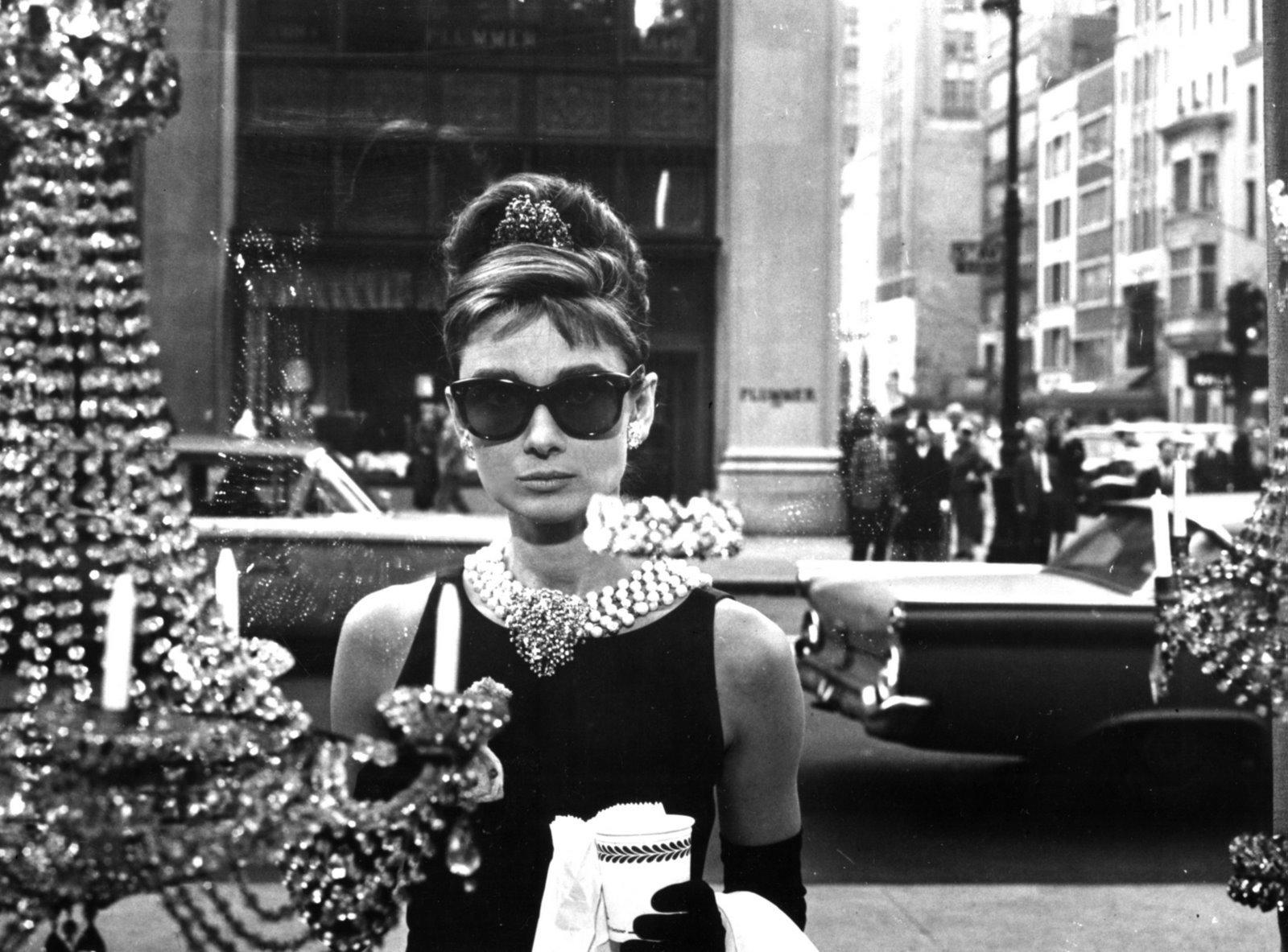 Ünlü - Audrey Hepburn  Duvarkağıdı